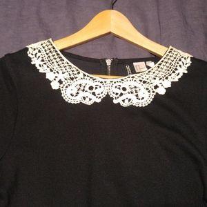 Black Shift Sweater Dress w Doily Peter Pan Collar
